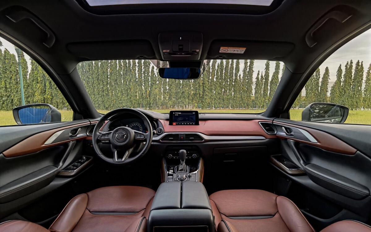 The 2021 Mazda CX-9 AWD Signature - Dashboard