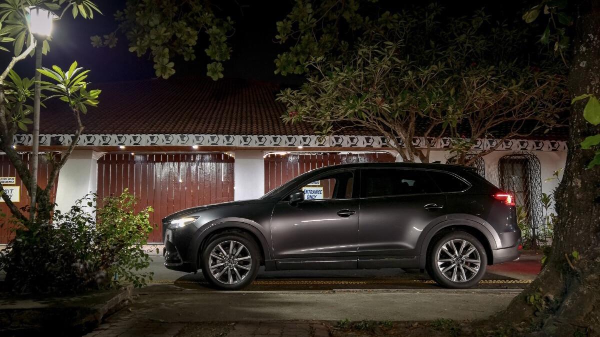 The 2021 Mazda CX-9 AWD Signature - Profile View at Night