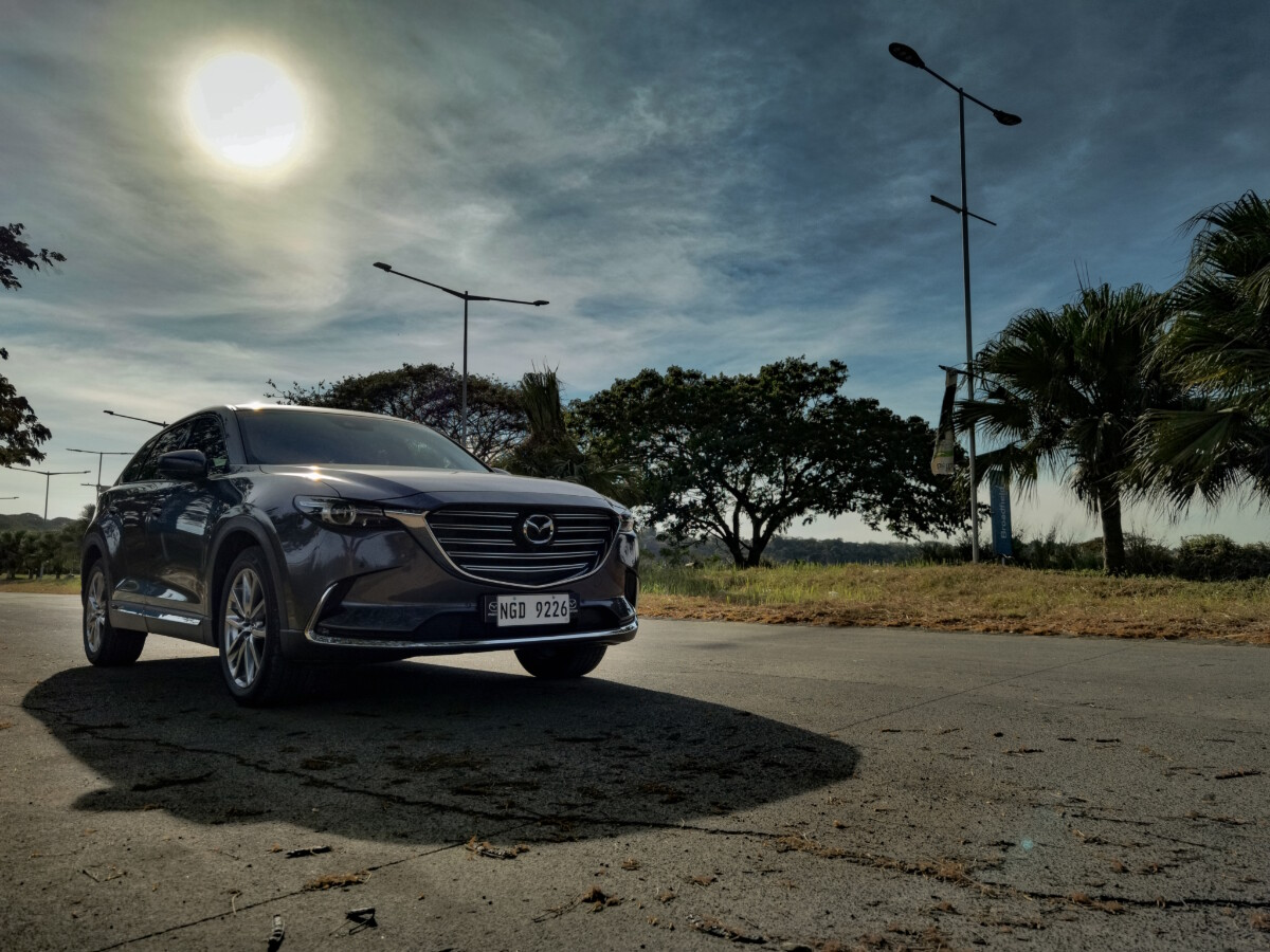 The 2021 Mazda CX-9 AWD Signature - Low Angled Front View