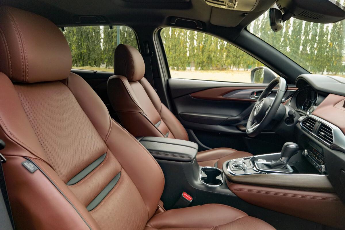 The 2021 Mazda CX-9 AWD Signature - Front Passenger Seats