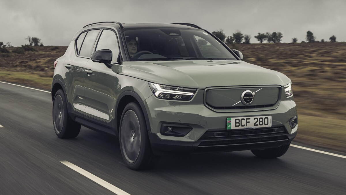 The Volvo XC40 P8 Recharge being driven, front angle