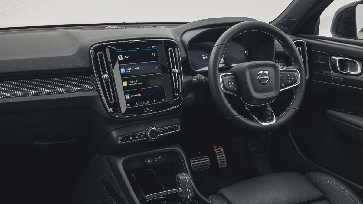 The Volvo XC40 P8 Recharge interior and dashboard