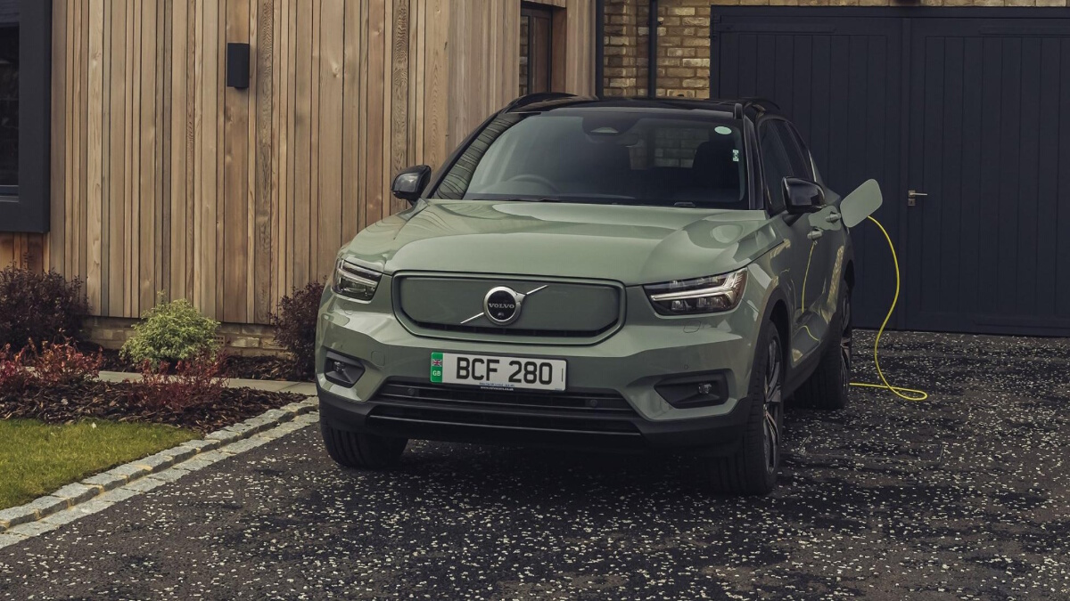 The Volvo XC40 P8 Recharge parked and being charged