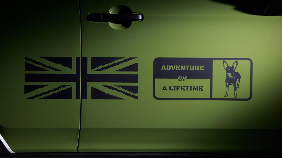 The Daihatsu Taft redesigned as a Land Rover Defender - Passenger Door