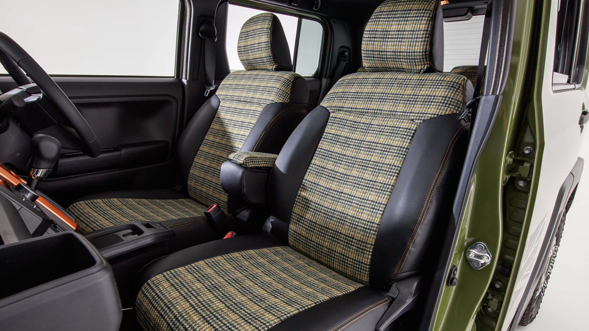The Daihatsu Taft redesigned as a Land Rover Defender - Interior