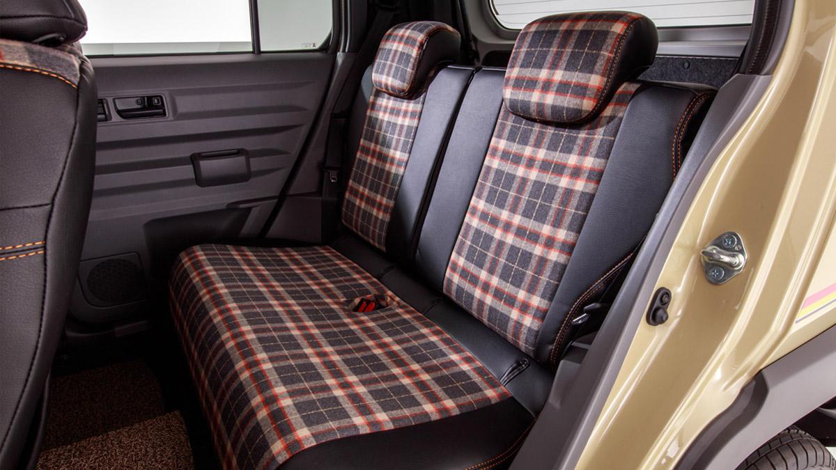 The Daihatsu Taft redesigned as a Land Rover Defender - Rear Passenger Seats