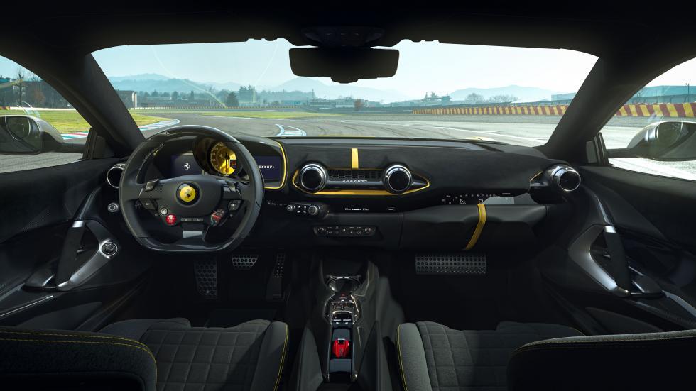 The Ferrari 812 Competizione - Dashboard