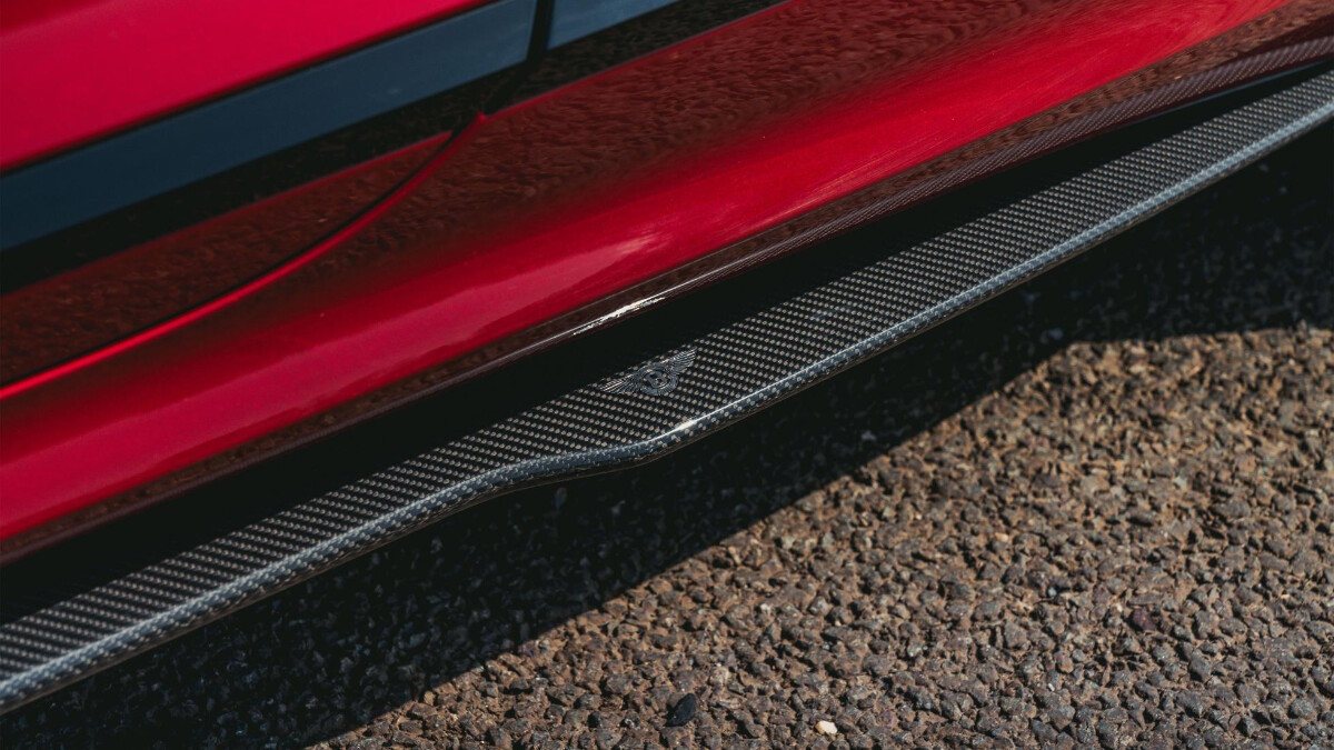 Side skirt detail of the Bentley Continental GT Speed