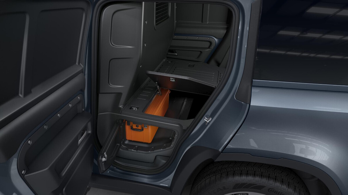 Extra storage space under the cargo bed of the Land Rover Defender Hard Top