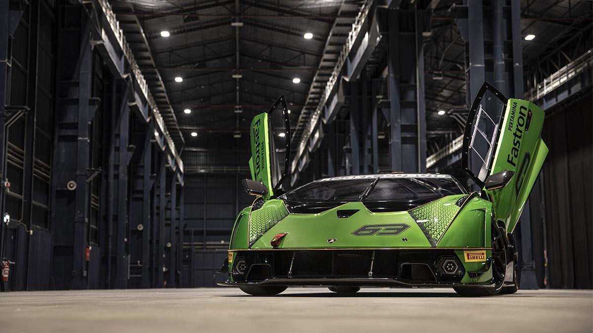 The Lamborghini Essenza SCV12 with its scissor doors open as seen in Asphalt 9: Legends