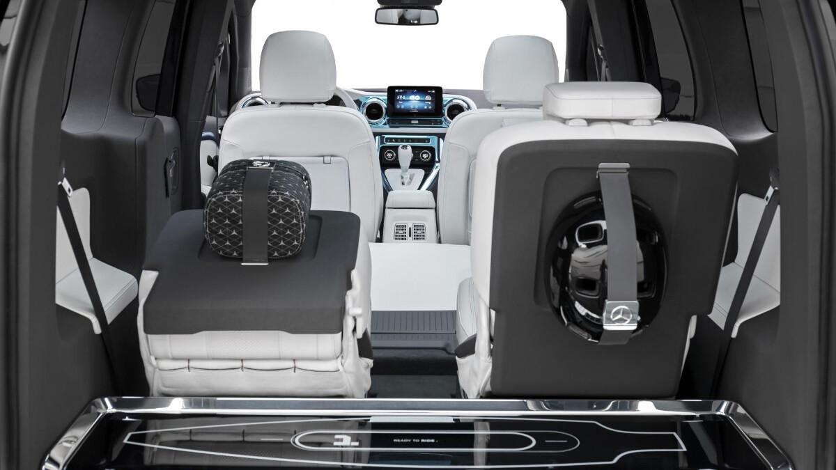 Middle passenger seats of the Mercedes-Benz EQT Concept