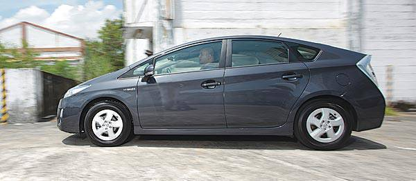TopGear.com.ph Philippine Car Review - 2009 Toyota Prius review