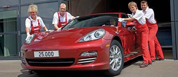TopGear.com.ph Philippines car News - Porsche builds 25,000th Panamera, to produce hybrid version