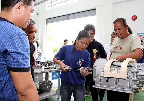 TopGear.com.ph Philippine Car News - Isuzu Tesda Scholars