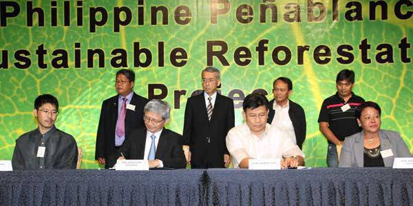 TopGear.com.ph Philippine Car News - Toyota Reforestation Project Signing