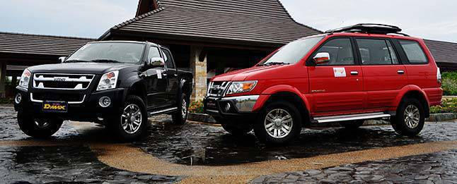 Isuzu launches X-Max edition of D-Max and Crosswind Sportivo | News | Top Gear Philippines