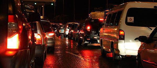 TopGear.com.ph Philippine Car News - 5 road survival tips during the busy Christmas season