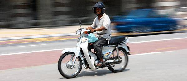 TopGear.com.ph Philippine Car News - DOTC holds off on implementation of helmet law