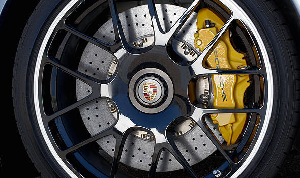 TopGear.com.ph Philippine Car News - Porsche recalls 911s equipped with center locking hubs