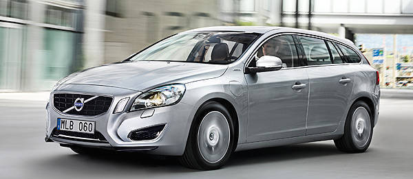 Volvo reveals production model V60 Plug-In hybrid