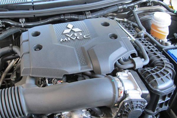 Mitsubishi Montero Sport gasoline