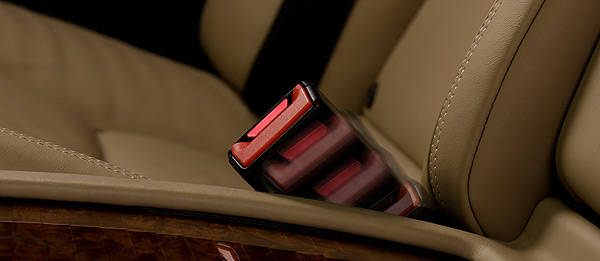 TopGear.com.ph Philippine Car News - Mercedes-Benz creates active seat belt buckle for rear passengers