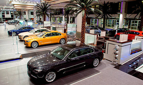 TopGear.com.ph Philippine Car News - BMW opens its largest showroom in the world in Abu Dhabi