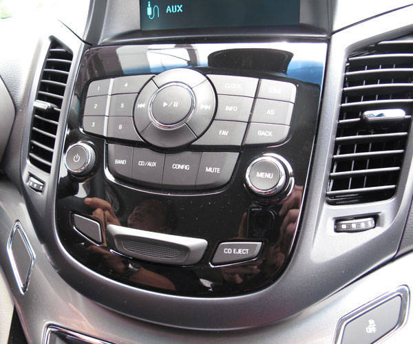 Chevrolet Orlando's audio head unit