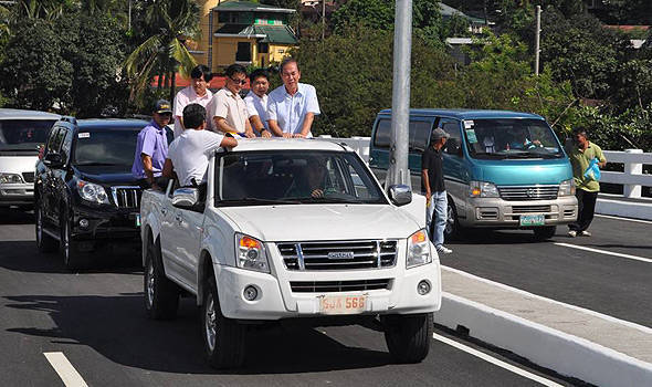 TopGear.com.ph Philippine Car News - DPWH opens flyover connecting Tandang Sora to Luzon Avenue