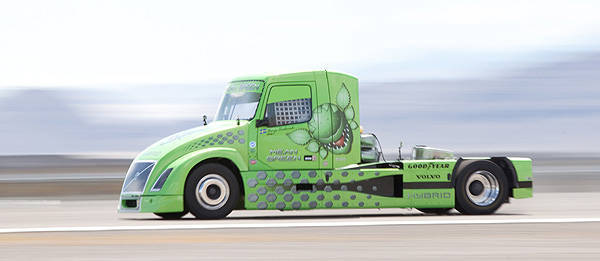 TopGear.com.ph Philippine Car News - Volvo hybrid truck sets world speed record