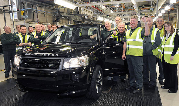 TopGear.com.ph Philippine Car News - Land Rover marks production of 300,000th Freelander 2