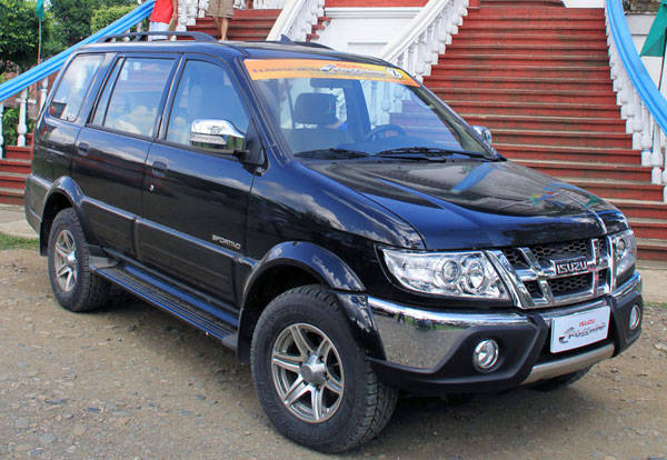 Isuzu Says It S More Fun With The Enduring Crosswind News Top