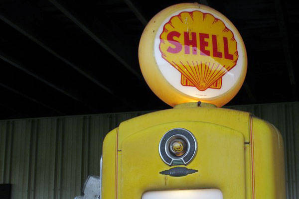 Vintage Shell fuel pump