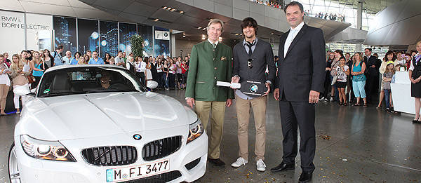 TopGear.com.ph Philippine Car News - BMW Welt's 10-millionth visitor gets to keep Z4 for 10 weeks