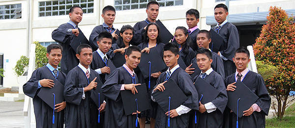 TopGear.com.ph Philippine Car News - Fourth batch of Isuzu-TESDA scholars graduate