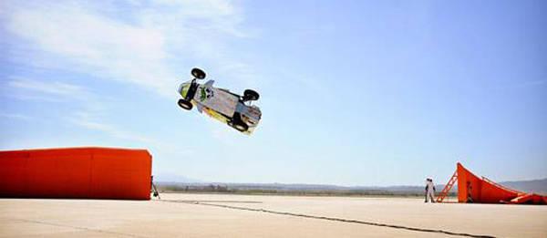 TopGear.com.ph Philippine Car News - Team Hot Wheels set corkscrew jump world record