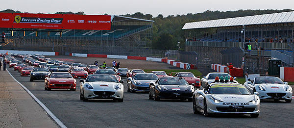 TopGear.com.ph Philippine Car News - Watch 964 Ferraris crawl on track for a world record
