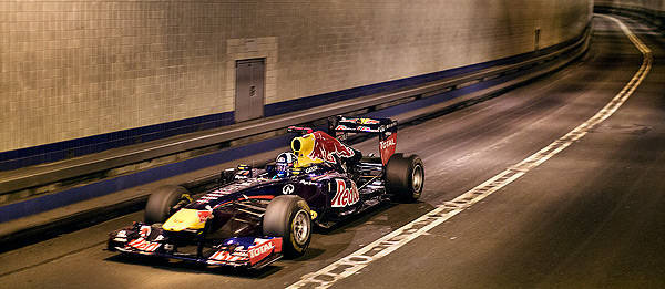 TopGear.com.ph Philippine Car News - Hear Red Bull's Formula 1 car drive through 2.4km Lincoln Tunnel