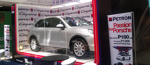 TopGear.com.ph Philippine Car News - Petron brings its Porsche die-cast collection on mall tour