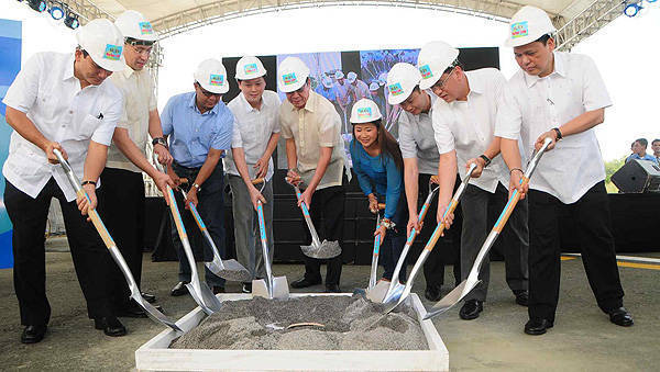 TopGear.com.ph Philippine Car News - NLEX operator breaks ground for 8km Harbor Link project
