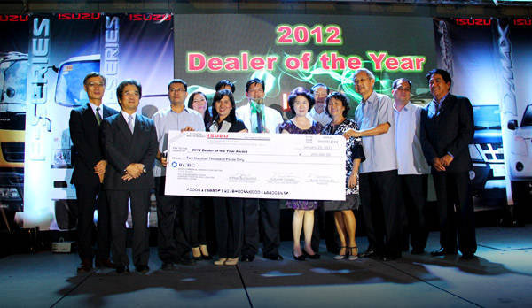 Isuzu PH recognizes top-performing dealerships at annual awards