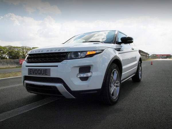review land rover range rover evoque sd4 3 door. Black Bedroom Furniture Sets. Home Design Ideas