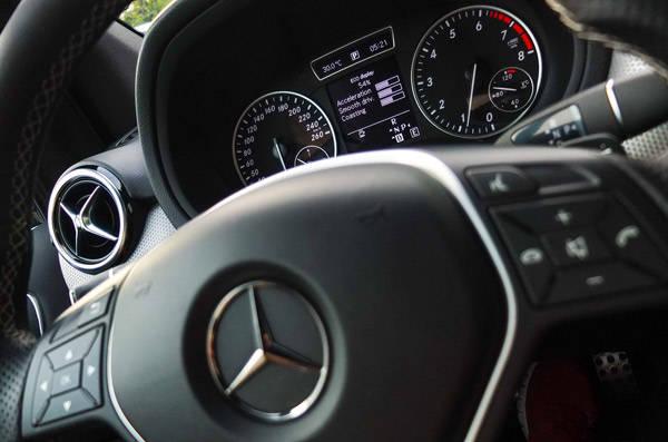 2013 Mercedes-Benz B-Class B200 Night Package