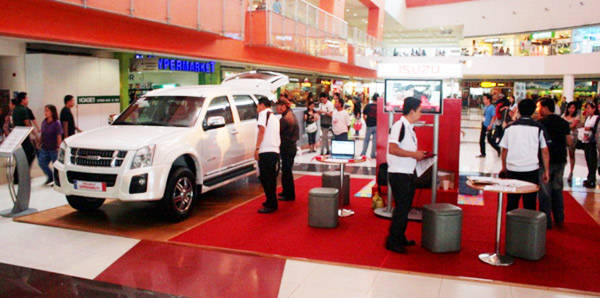 Isuzu PH brings its vehicle line-up to malls for you to check out