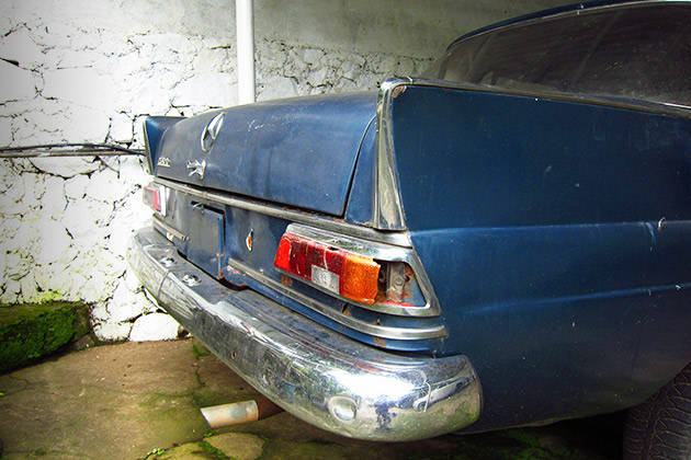Batman Benz begins: Restoring a Mercedes-Benz 200D Fintail (Part 1)