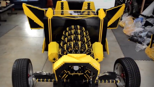 A 20-year-old built this Lego car powered by air