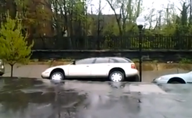 Sinkhole swallows cars in Baltimore, Maryland
