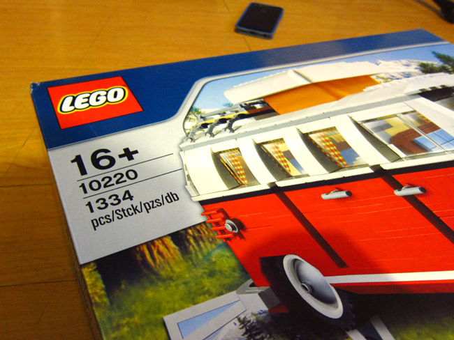 Building the Volkswagen Camper Lego