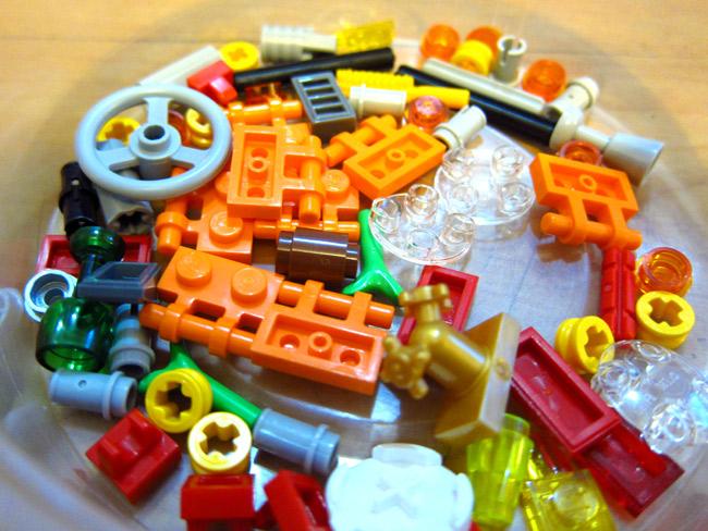 Building the Volkswagen Camper Lego