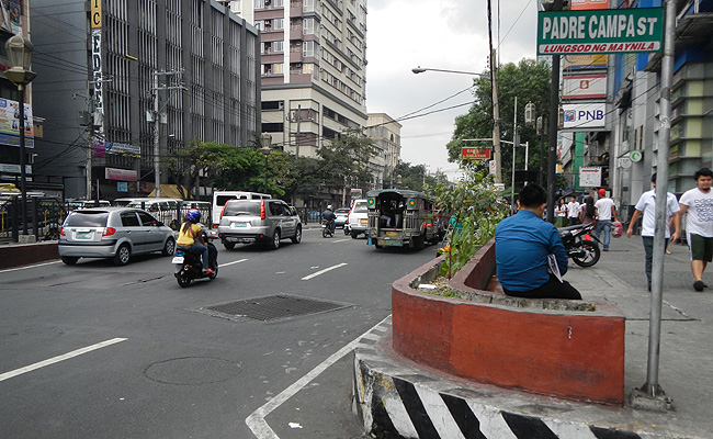 TopGear.com.ph Philippine Car News - DPWH begins road and drainage works on España Boulevard